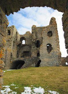 Auchindoun Castle near Dufftown © Michael Mittag