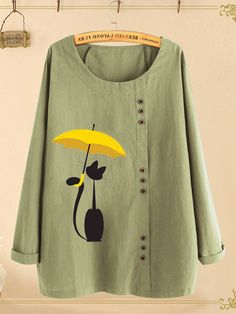 O-NEWE Cute Cartoon Print Button Plus Size T-shirt can cover your body well, make you more sexy, Newchic offer cheap plus size fashion tops for women Mobile. T Shirt Painting, Fabric Painting, Plus Size T Shirts, Plus Size Blouses, Kurta Designs, Blouse Designs, T Shirt Designs, Paint Shirts, Fabric Paint Shirt