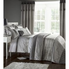 Catherine Lansfield Gatsby Duvet Cover - Silver: Image 01