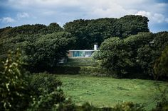 strom-architects-the-quest-house-dorset-england-designboom-02