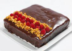 Idas supergode sjokolademoussekake med salte nøtter