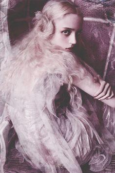 sirensongfashion: Esmeralda Seay Reynolds by Mario Testino for Vogue Germany March 2014 (original)