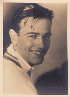 This is probably what Ethan Dunn, Daniel's brother looked like just before he left for San Francisco, but it's Hugh Allan, leading actor of the mid to late 1920s.