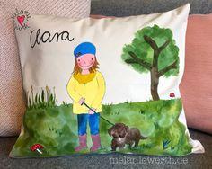 Clara und ihr Rauhaardackel, Kuschelkissen aus Bio-Baumwolle zum Geburtstag