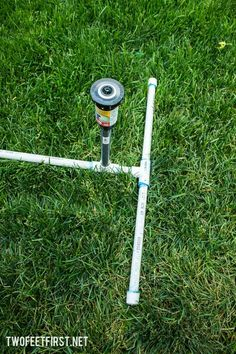 How to create above ground sprinkler to water a larger area Sprinkler System Design, Water Sprinkler System, Above Ground Sprinkler System, Pvc Pipe Sprinkler, Garden Watering System, Water Irrigation, Garden Sprinklers, Water Systems, Lawn And Garden