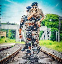 Fouji with fojan Alone Boy Wallpaper, Latest Fashion Trends, Fashion News, Fashion Beauty, Indian Army Wallpapers, Soldier Love, Desi, Bollywood, Indian Boy