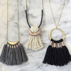 Tassels - how clever. Tassel Jewelry, Textile Jewelry, Fabric Jewelry, Leather Jewelry, Bohemian Jewelry, Diy Jewelry, Beaded Jewelry, Jewelry Necklaces, Handmade Jewelry