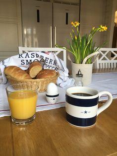 Breakfast in my Lexington mug!
