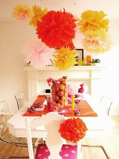 Pom pom table display- orange