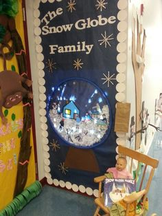 88 Creative Winter Door Decoration Ideas Preschool - New Deko Sites Christmas Door Decorating Contest, School Door Decorations, Office Christmas Decorations, Winter Door Decoration, Christmas Trees, Dulceros Halloween, Preschool Door, Teacher Doors, Ornament