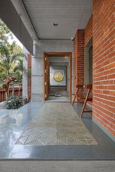 Room Interior Design, Home Room Design, Exterior Design, Interior And Exterior, Brick Interior, Living Room Designs India, Brick Arch, Brick Wall, Wooden Columns