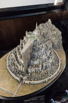 See the incredible Warcraft and Lord of the Rings models from Weta Workshop'. - Jewelry World Lotr, Minas Tirith, O Hobbit, J. R. R. Tolkien, Fantasy City, Modelos 3d, Fantasy Landscape, One Ring, Lord Of The Rings