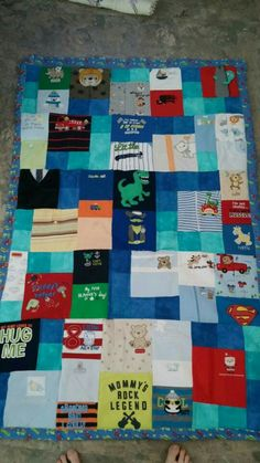 Christian's blanket is done. Woot. Hit me up if you'd like to have one :)