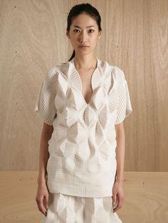 Issey Miyake Ghost Stretch Top in White (ice) Origami Fashion, 3d Fashion, Fashion Details, Fashion Models, Fashion Women, Yohji Yamamoto, Architecture Origami, Issey Miyake Women, 3d Mode