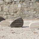 """LEAVES INSTALLAZIONE A Cersaie 2016 Pietre di Rapolano in occasione della fiera Cersaie 2016 ha realizzato l'installazione """"Leaves"""" per Ceramica Sant'Agostino Sono elementi scultorei dalle forme quasi organiche, che richiamano la struttura e le nervature tipiche delle foglie, creando un parallelo con le venature della pietra. L'apparente leggerezza delle forme è data dalla lavorazione del travertino, che esalta le infinite possibilità offerte dalla pietra naturale.  Al pad. 16 stand B12…"""