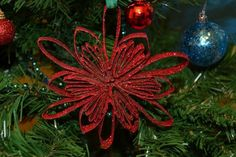 Decorazioni fai da te per l'albero di Natale - Lavoretti con carta riciclata