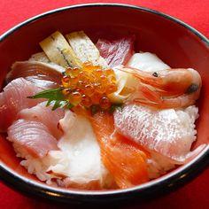 REBLOGGED - 海鮮丼