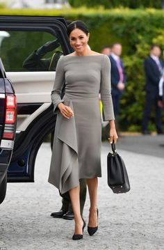 d59f5317e088 Duchess Meghan in Roland Mouret for Dublin Day 2 - Dress Like A Duchess  Podrobnosti Couture