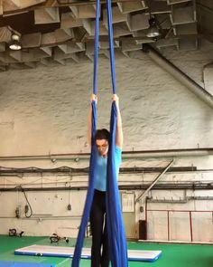 Aerial Acrobatics, Aerial Dance, Aerial Hoop, Aerial Arts, Gymnastics Videos, Gymnastics Workout, Arial Silks, Full Body Yoga Workout, Silk Dancing