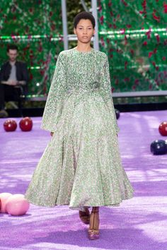 The Best Gowns From Paris Couture Week  - ELLE.com - Dior Haute Couture (=)