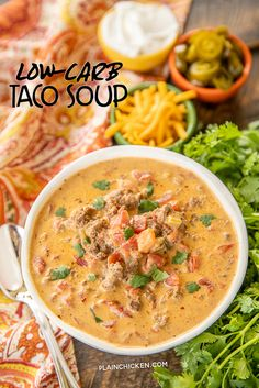 Low-Carb Taco Soup made in the crockpot slow cooker Low-Carb Taco Soup – SO good! I wanted to lick the bowl! If you aren't doing low-carb, feel free to add corn and black beans. Low Carb Tacos, Low Carb Taco Soup, Easy Taco Soup, Chicken Taco Soup, Keto Soup, Chicken Cooker, Recipe Chicken, Chicken Recipes, Soup Recipes
