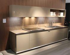 linea-3-cocinas-dise�os-de-cocinas-con-puertas-de-cristal