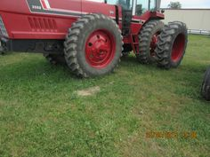 International  Harvester 3588 2 PLUS 2 tractor