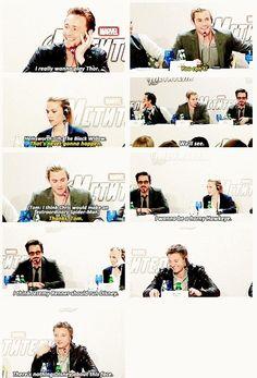 "Tom Hiddleston, Chris Hemsworth, Scarlett Johansson, Robert Downey Junior, Jeremy Renner Interview ""there's nothing Disney about this face"" :D Marvel Funny, Marvel Memes, Marvel Dc Comics, Avengers Memes, Thor, Loki, Avengers Cast, Marvel Avengers, Tom Hiddleston"