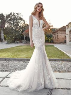 Akoya San Patrick, Pronovias, Celestial Wedding, Bridal Gallery, Mermaid Gown, House Dress, Lace Bodice, Embroidered Lace, Bridal Boutique