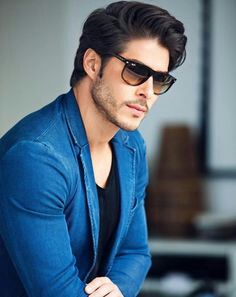 sunglasses hombre 25 Best Mens Sunglasses Trends 2019 - The Finest Feed Men Sunglasses Fashion, Best Mens Sunglasses, Trending Sunglasses, Handsome Boy Photo, Bad Boy Style, Photography Poses For Men, Stylish Boys, Hair And Beard Styles, Men's Hairstyles