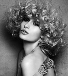 Shaun Hall 2012 Southern Hairdresser of the Year Long Blonde Curly Hair, Big Hair, Wavy Hair, Medium Short Hair, Medium Hair Styles, Curly Hair Styles, Lange Blonde, Magic Women, Big Curls