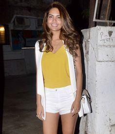Esha Gupta spotted in Juhu, Mumbai. #Bollywood #Fashion #Style #Beauty #Hot