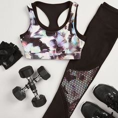 We're celebrating #NationalFitnessDay by breaking a sweat with a good cardio workout in the Regan Outfit in the optical flower print.   How about you? #workoutclothes #sportswear