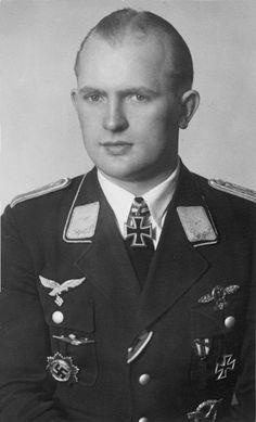 ✠ Erwin-Peter Diekwisch (12 August 1920 - 20 August 2013) RK 15.10.1942 Leutnant Adjutant III./Stuka-Geschw 1