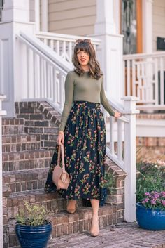 Casual Outfits Modest Summer Outfits # Casual # Modest # Outfits - Interesting Informations Skirt Outfits Modest, Modest Summer Outfits, Modest Dresses, Dress Skirt, Dress Up, Floral Skirt Outfits, Simple Dresses, Mode Outfits, Fall Outfits