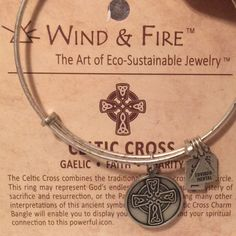 """Authentic Wind And Fire /""""Horse Head/"""" Charm Wire Bangle Bracelet Made In The USA"""