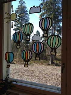 Kevätikkuna Spring Art Projects, Spring Crafts, Hobbies And Crafts, Arts And Crafts, Diy Crafts, Summer Crafts For Kids, Art For Kids, Window Art, Stained Glass