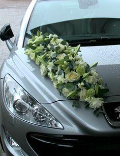 flowers on car Wedding Car Decorations, Wedding Themes, Flower Decorations, Wedding Arrangements, Flower Arrangements, Deco Cars, Reception Activities, Wedding Limo, Bridal Car