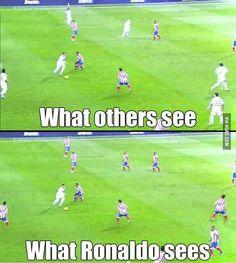 Being Cristiano Ronaldo - funny world - Sport Ronaldo Soccer, Football Soccer, Soccer Ball, Soccer Fifa, Mls Soccer, Cristiano Ronaldo Memes, Messi Funny, Girls Lacrosse, Football Memes