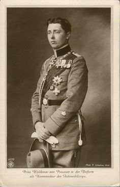 Prince Waldemar of Prussia , commander of the Automobilcorps