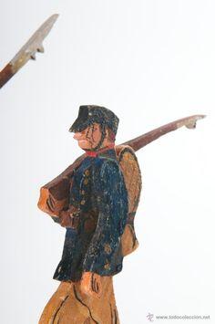 Juguetes Antiguos: ANTIGUOS Y ARTESANALES SOLDADOS DE MADERA CON PEANA - Foto 3 - 43346164