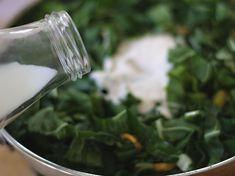 Acelgas Guisadas - AntojandoAndo Swiss Chard Recipes, Green Kale, Collard Greens, Parsley, Herbs, Food, Mariana, Coleslaw Salad, Sour Cream