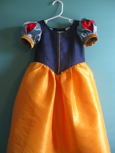 I'D RATHER BE SEWING: Snow White Costume