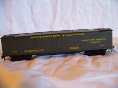 Bev-Bel Corp HO Scale 50 Ft. Northern Pacific Express Refrigeration Boxcar