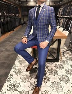 Terziademaltun – Italian style slim fit jacket vest pants blue dark suit … – Ashish Kaler – Join the world of pin Big Men Fashion, Best Mens Fashion, Mens Fashion Suits, Mens Suits, Classy Suits, Classy Men, Formal Shirts For Men, Designer Suits For Men, Slim Fit Jackets