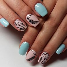 Having short nails is extremely practical. The problem is so many nail art and manicure designs that you'll find online Fabulous Nails, Gorgeous Nails, Pretty Nails, Bohemian Nails, Dream Catcher Nails, Country Nails, Nagellack Design, Feather Nails, Mandala Nails