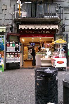 Bar Pasticceria Carraturo Napoli, Campania. Tappa ideale per un peccato di gola!