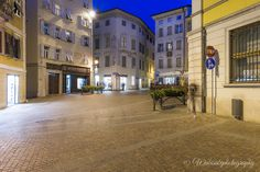 Frank litterbin realized in ultratense concrete utc for Bellitalia arredo urbano
