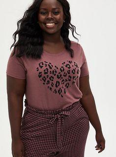 Plus Size Tops, Plus Size Women, Off Shoulder Shirt, Pretty Shirts, Tees For Women, Sleek Look, V Neck Tee, Crew Neck, Vintage Tees
