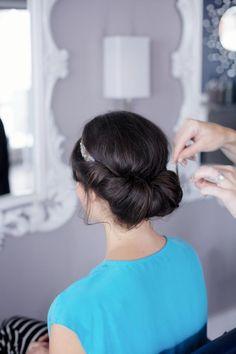 DIY Wedding Hair / DIY Banded Chignon - WeddinGirl